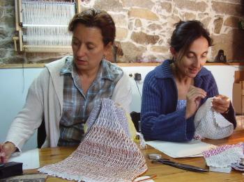 Curso de teoría del diseño textil en telar
