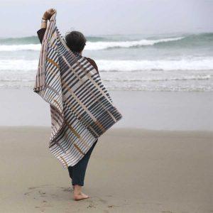 Manta en 100% lana merina de diseño independiente (Anna Champeney)