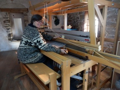 anna weaving for mer dec 450 pix 2013