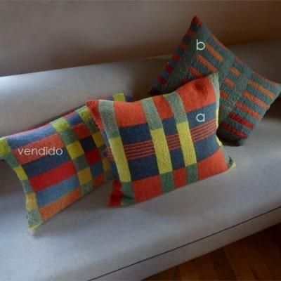 cojines de lana de pa s de inspiraci n bauhaus On cojines en bauhaus