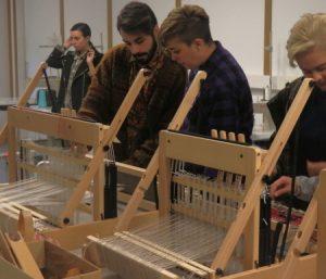 estudiantes concentrados 450.jpg