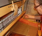 how to weave with 2 shuttles